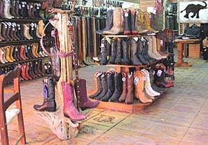 Rogers Boots (Cozumel) - 2020 Lo que se debe saber antes ... |Cozumel Mexico Stores With Boots